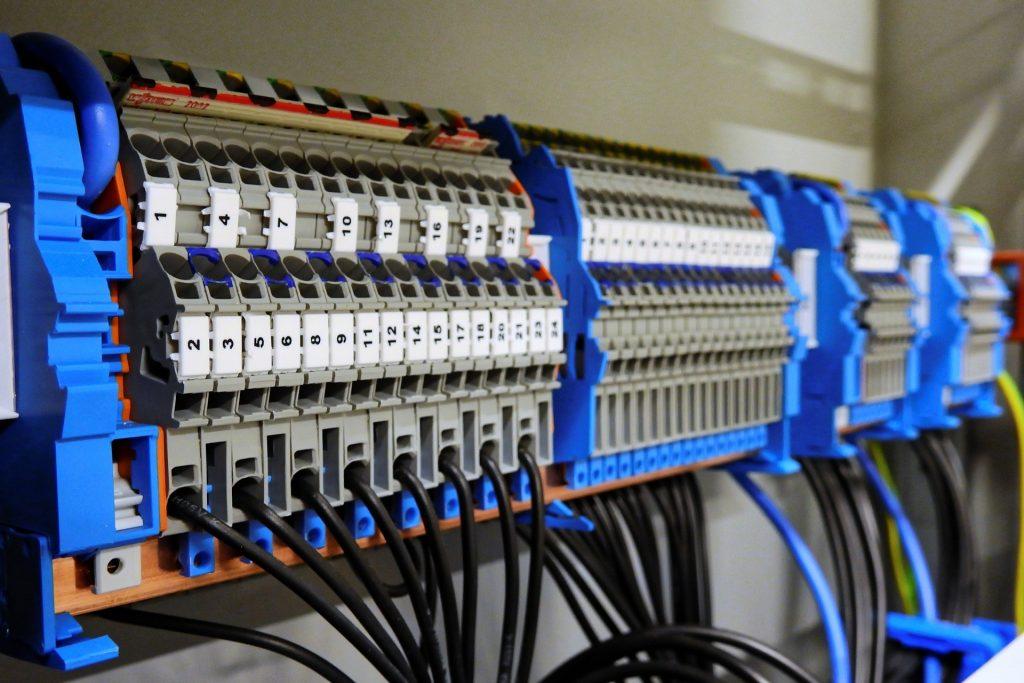 Services Serviços Electrical